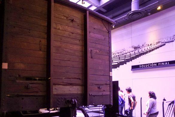 Vagón de ganado utilizado para transportar personas a los campos de concentración y exterminio